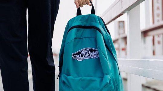 Štýlové VANS batohy: Ktorý si vybrať a na akú príležitosť?